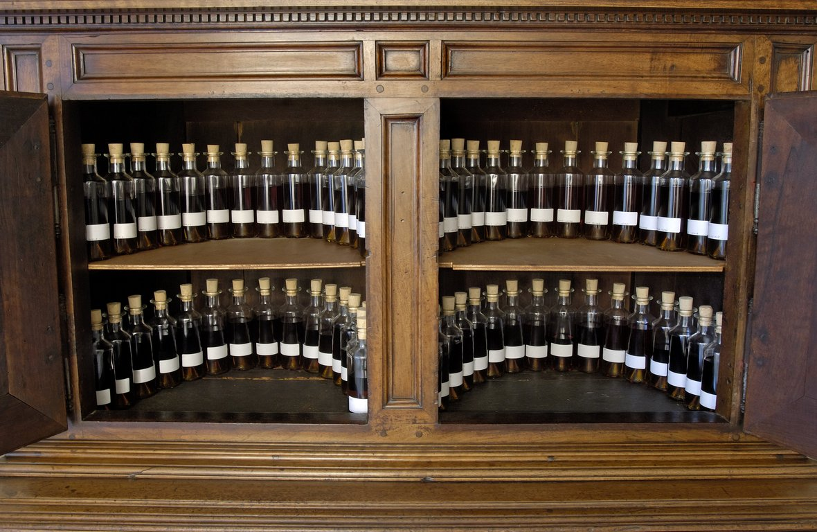 Louis XIII Cabinet of references